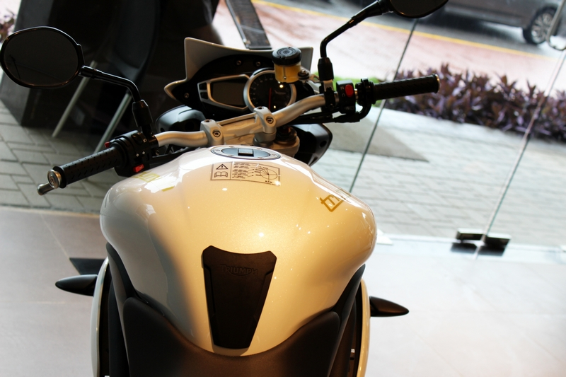 Does not get clip-on handlebar