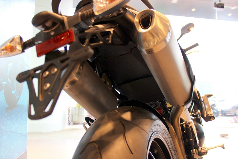 Exhaust pipes are made of stainless steel