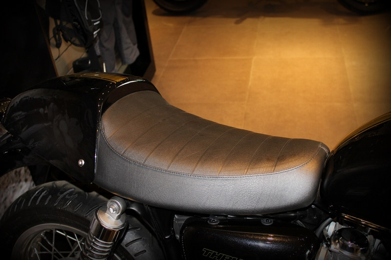 Single seat option, for the perfect cafe racer look