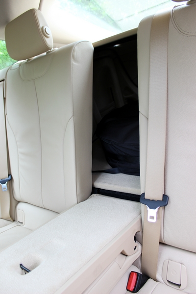 Rear centre armrest section can be dropped down to access the boot