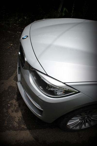 Bonnet crease lines are similar to the regular 3 Series