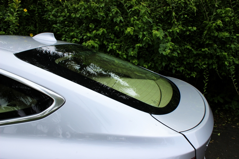 Pop-out rear spoiler, active during high speed