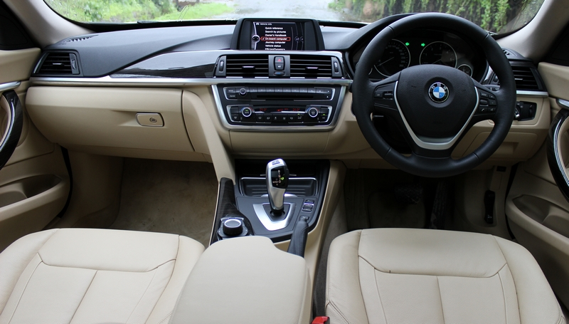 Dashboard is identical to the regular 3 series