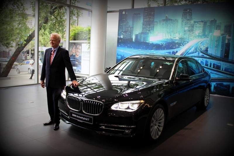 Mr. Philipp von Sahr, President, BMW Group with the BMW ActiveHybrid 7