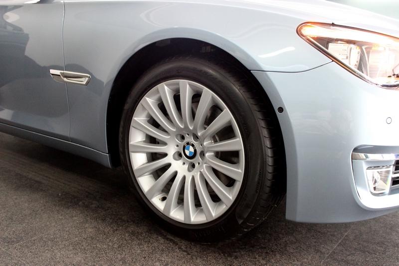 """19"""" multispoke alloy wheels"""