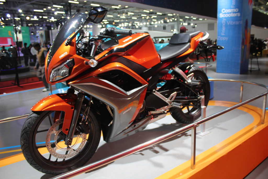 Hero HX250R side profile