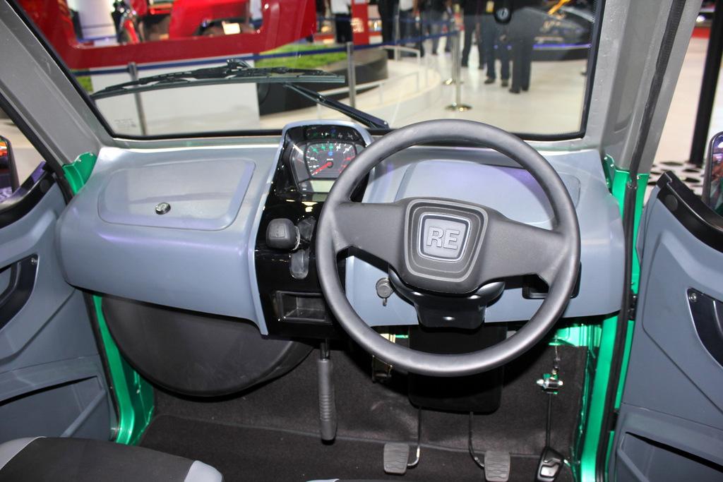 Bajaj RE60 interiors