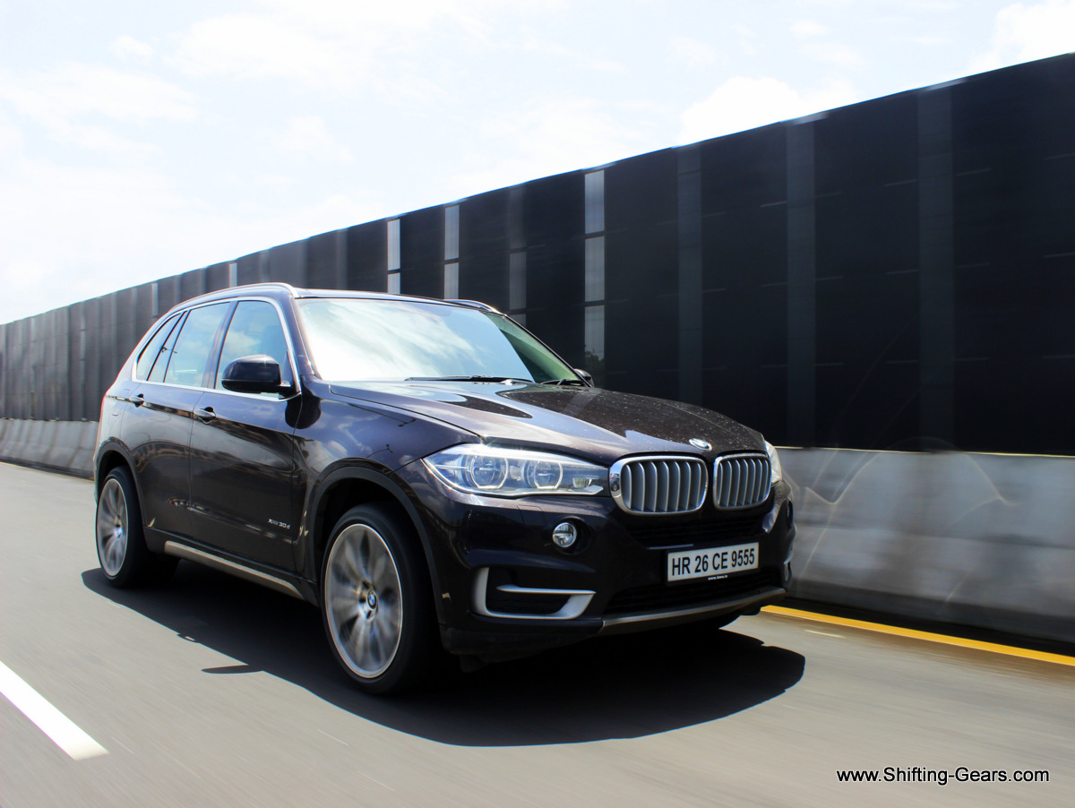 The new X5 looks much bolder from the front, compared to the outgoing model