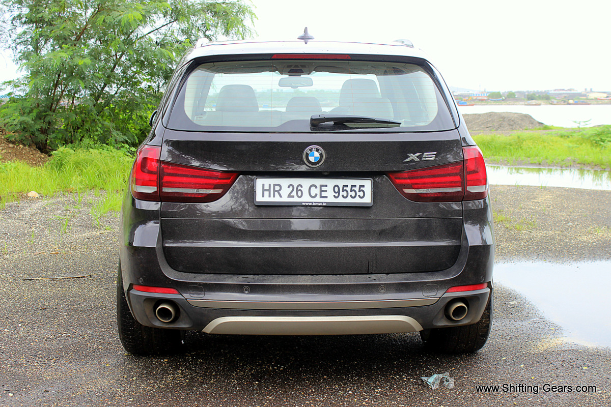 Rear profile has nothing new, just a differeRear profile sees no addition, only revision to the existing partsnt design
