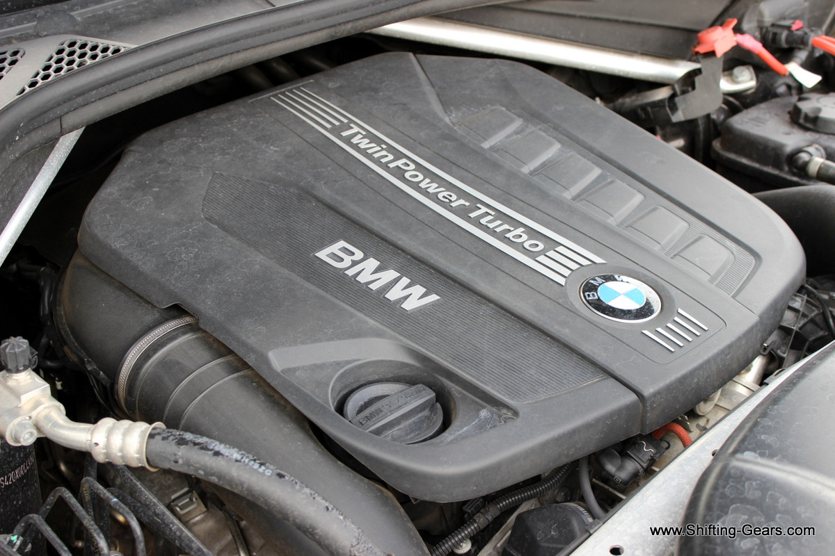 Engine is a inline 6-cylinder, 2,993cc block pumping out 258 BHP of power and 560 Nm of torque