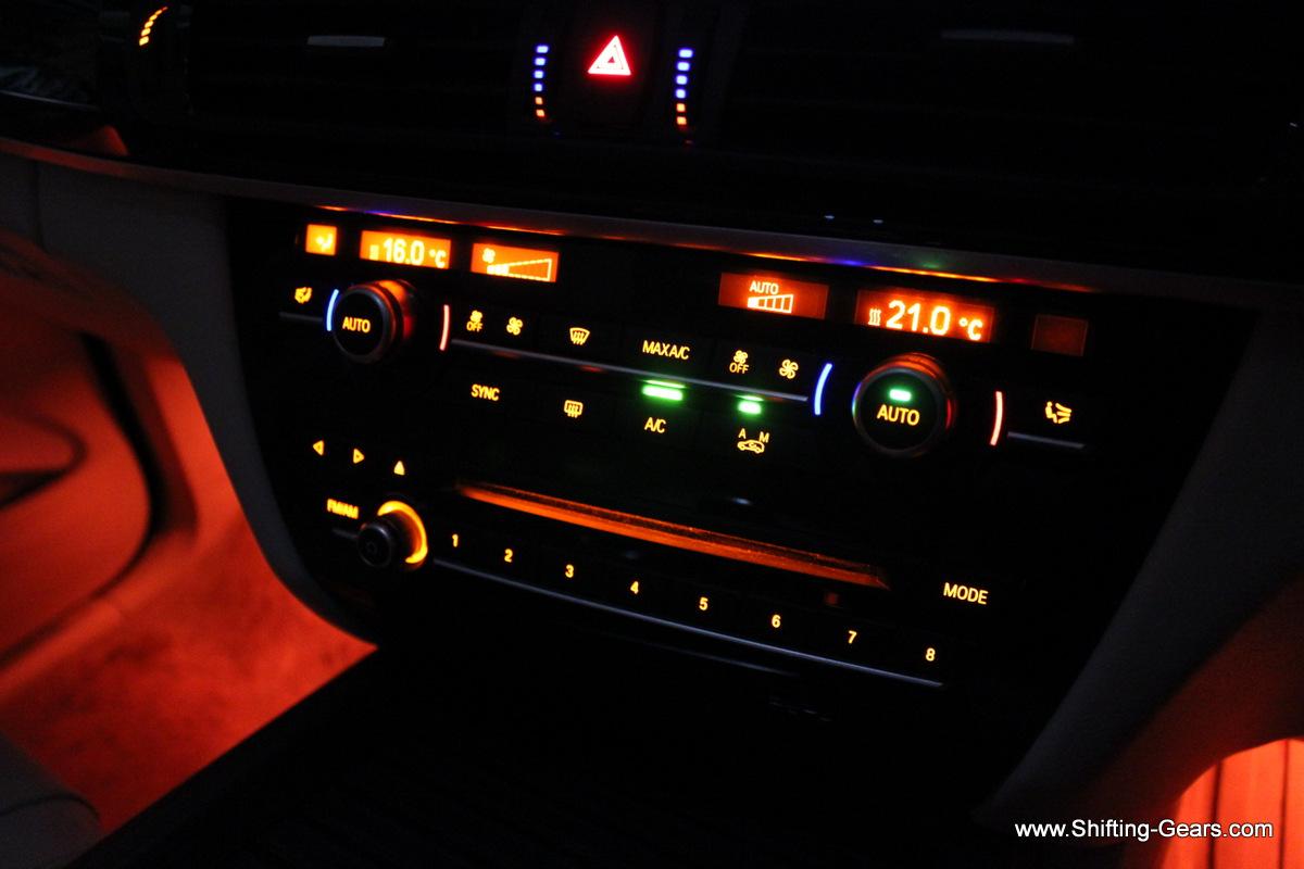Centre console illumination