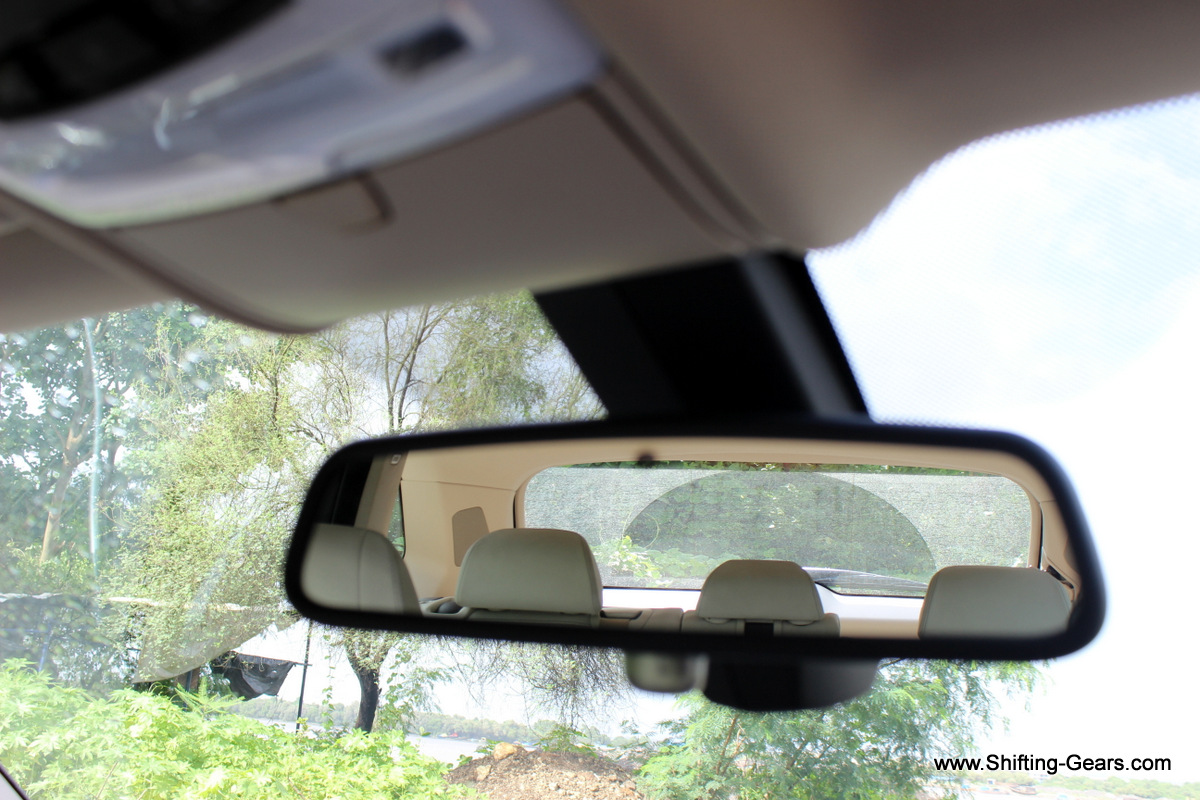 Electrochromic mirror saves you from the annoying headlamp glare