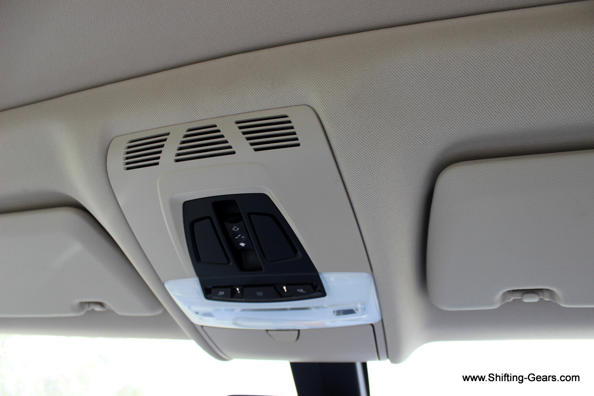 Controls for the sunroof and cabin lamps