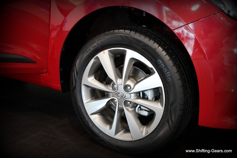 "16"" diamond cut alloy wheels fill up the wheel well neatly"