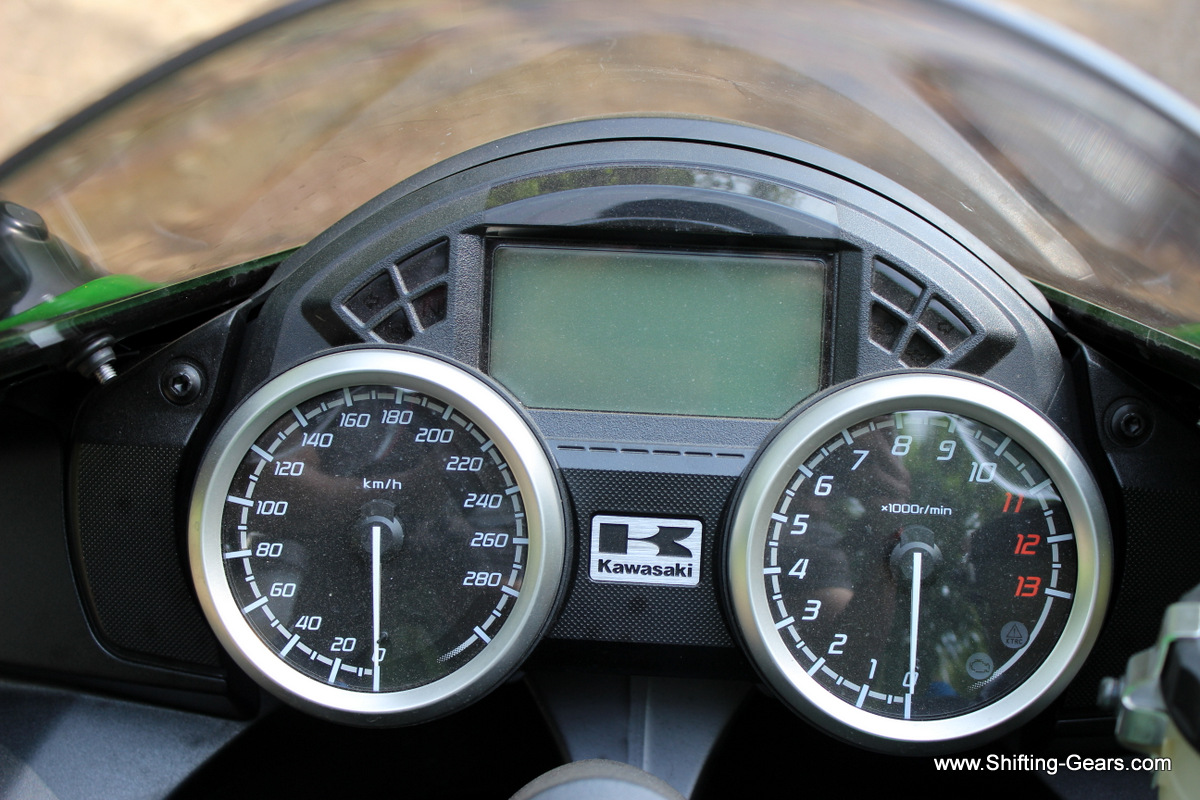 Instrument cluster gets analogue speedometer and tachometer with a MID in between. MID includes external air temperature, DTE, fuel gauge, gear position indicator, odometer, clock and dual trip meters.