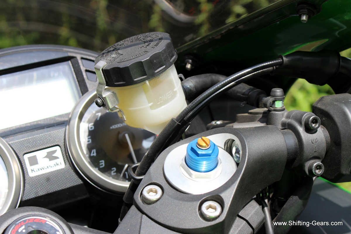Front disc brake fluid on the handlebar