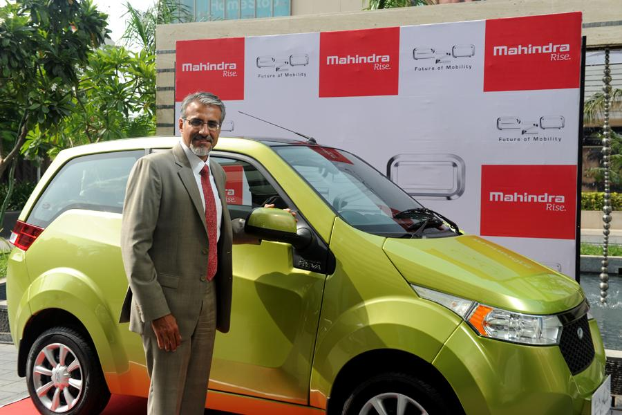 Mahindra E2O Premium variant with power steering