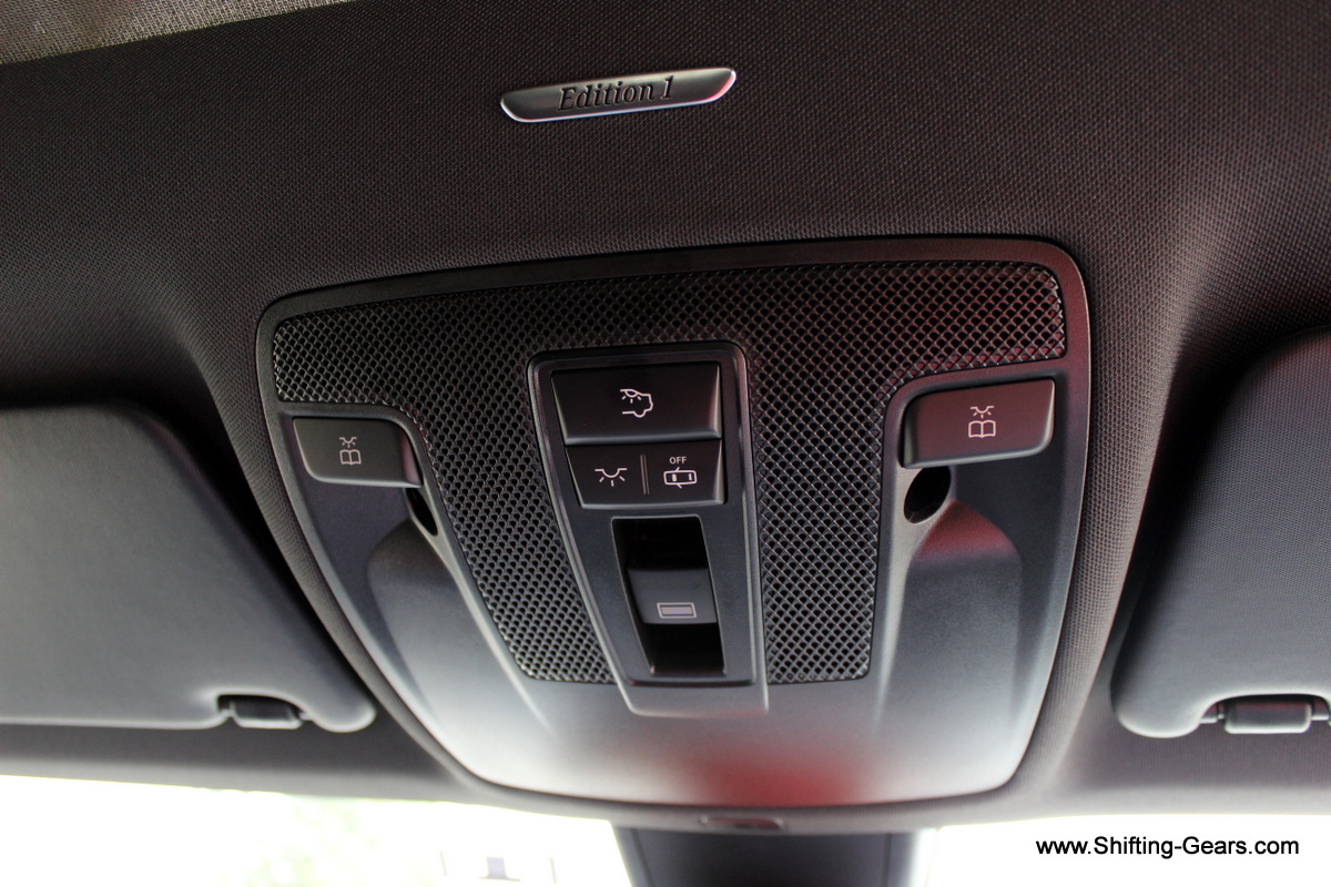Cabin lamps and the sunroof control