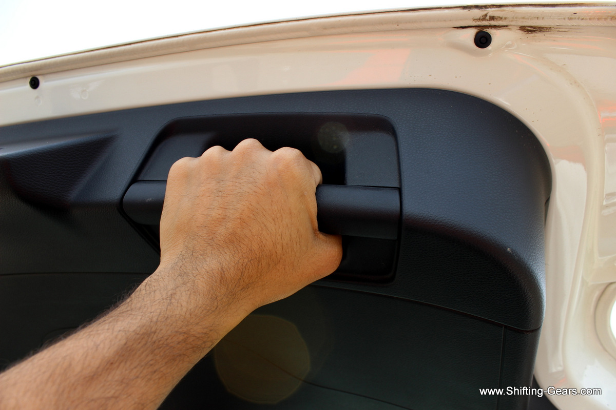 Grab handle to pull down the boot lid