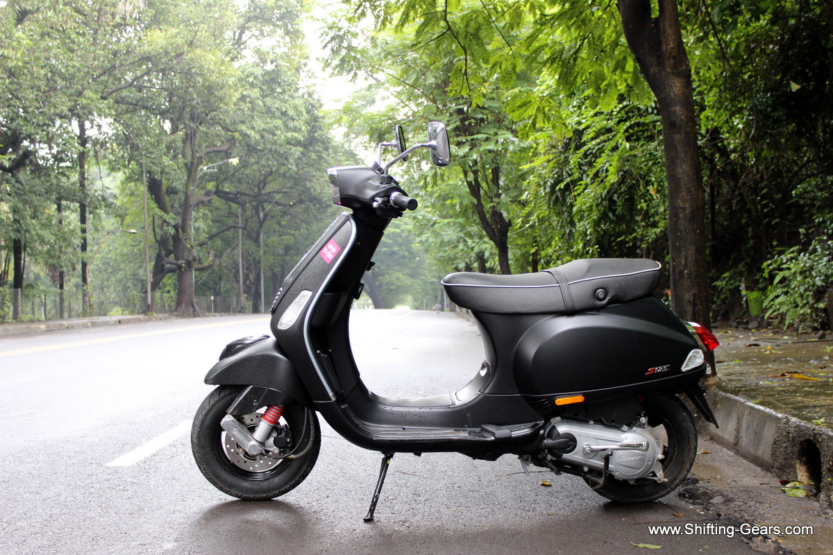 Side profile remains more or less the same compared to the other Vespa variants
