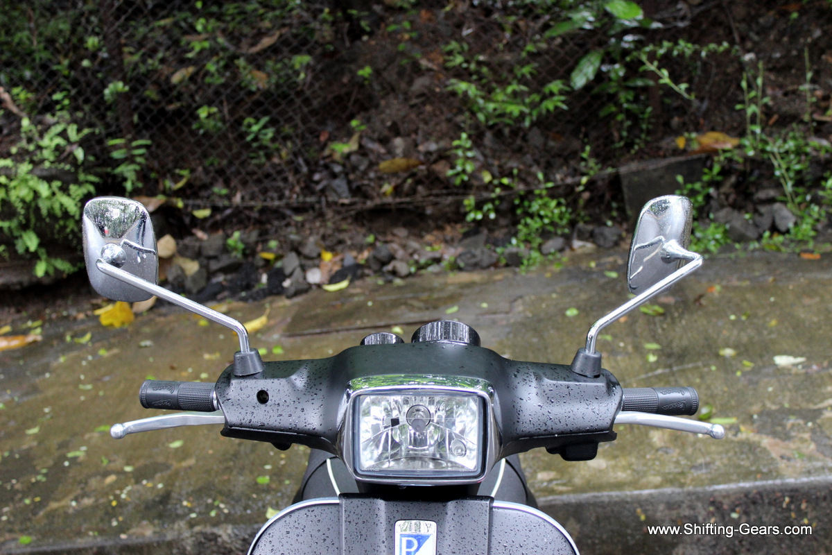 The fairing around the headlamp and the handlebar is much more edgy and not round / curved as on the other variants