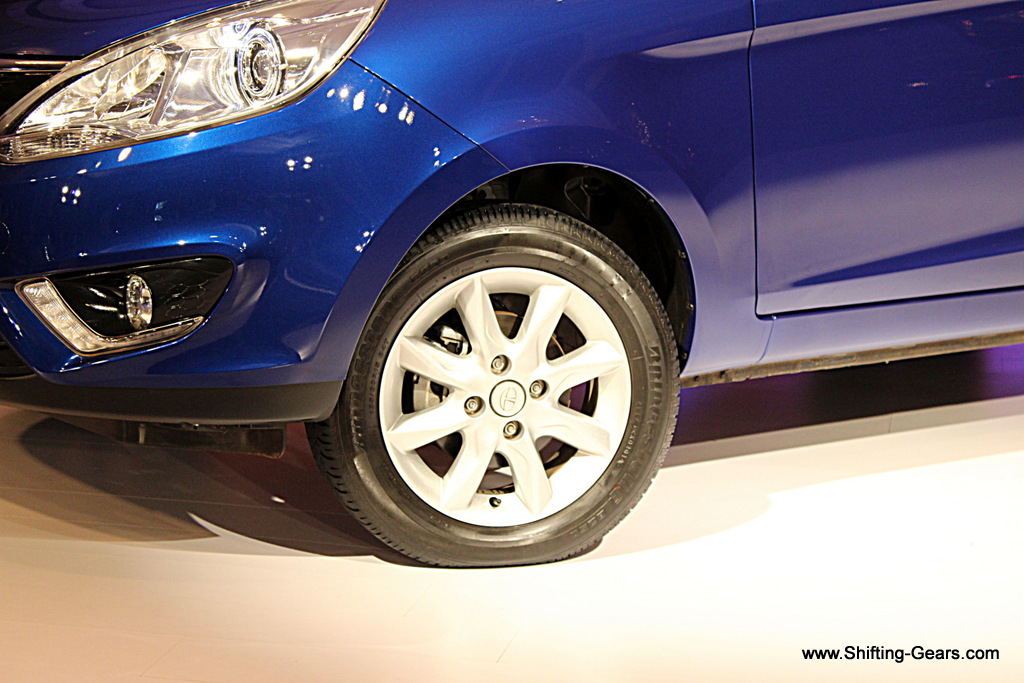 Alloy wheel design on the top spec XT variant
