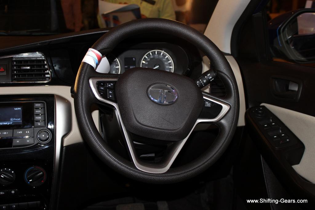 Steering wheel looks and feels good