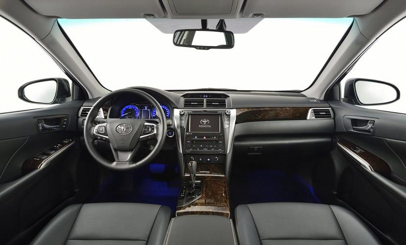 2015 Toyota Camry facelift revealed