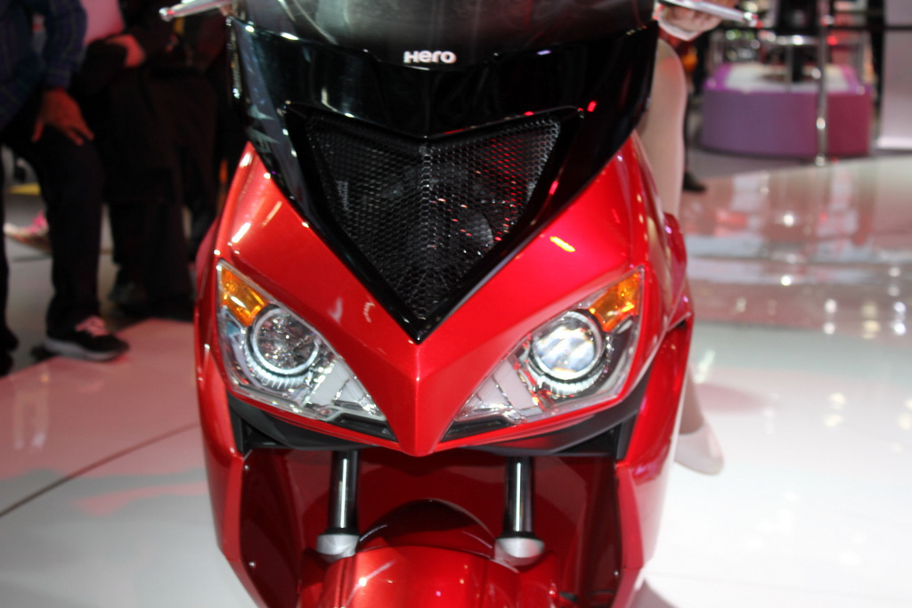 The dual headlamps with projectors