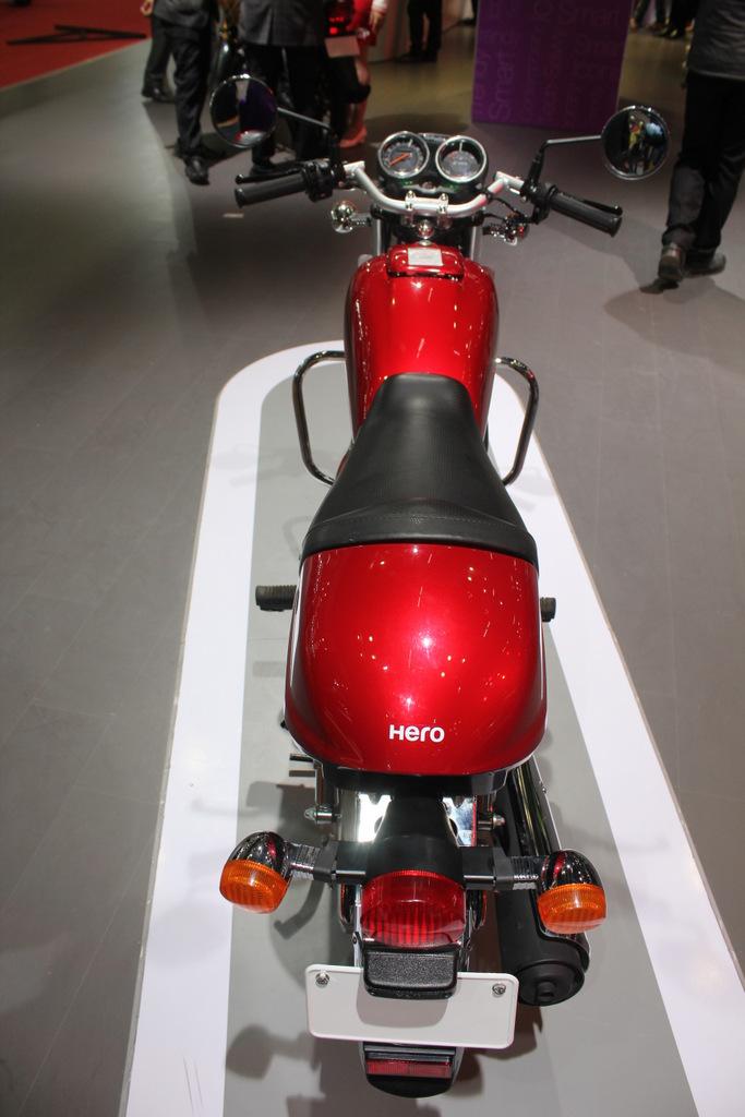 Splendor Pro Classic pillion seat cowl