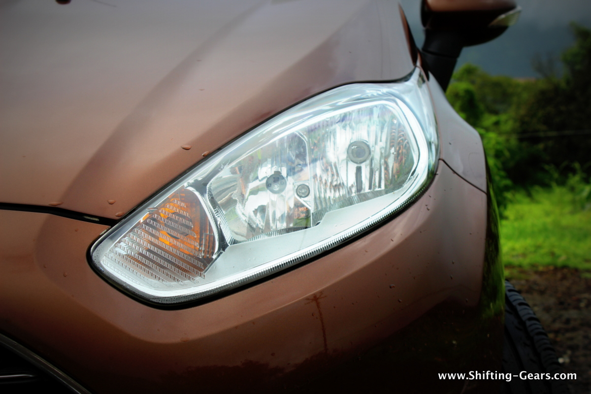 Elongated headlamps miss out on the smoked effect, but retain the twin barrel structure and are now automatic