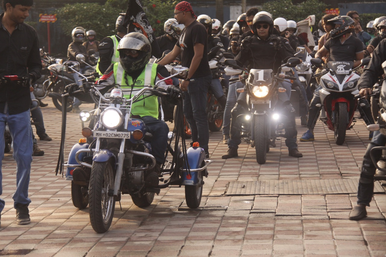 IBW: 500 bikers at chai pakoda ride in Mumbai