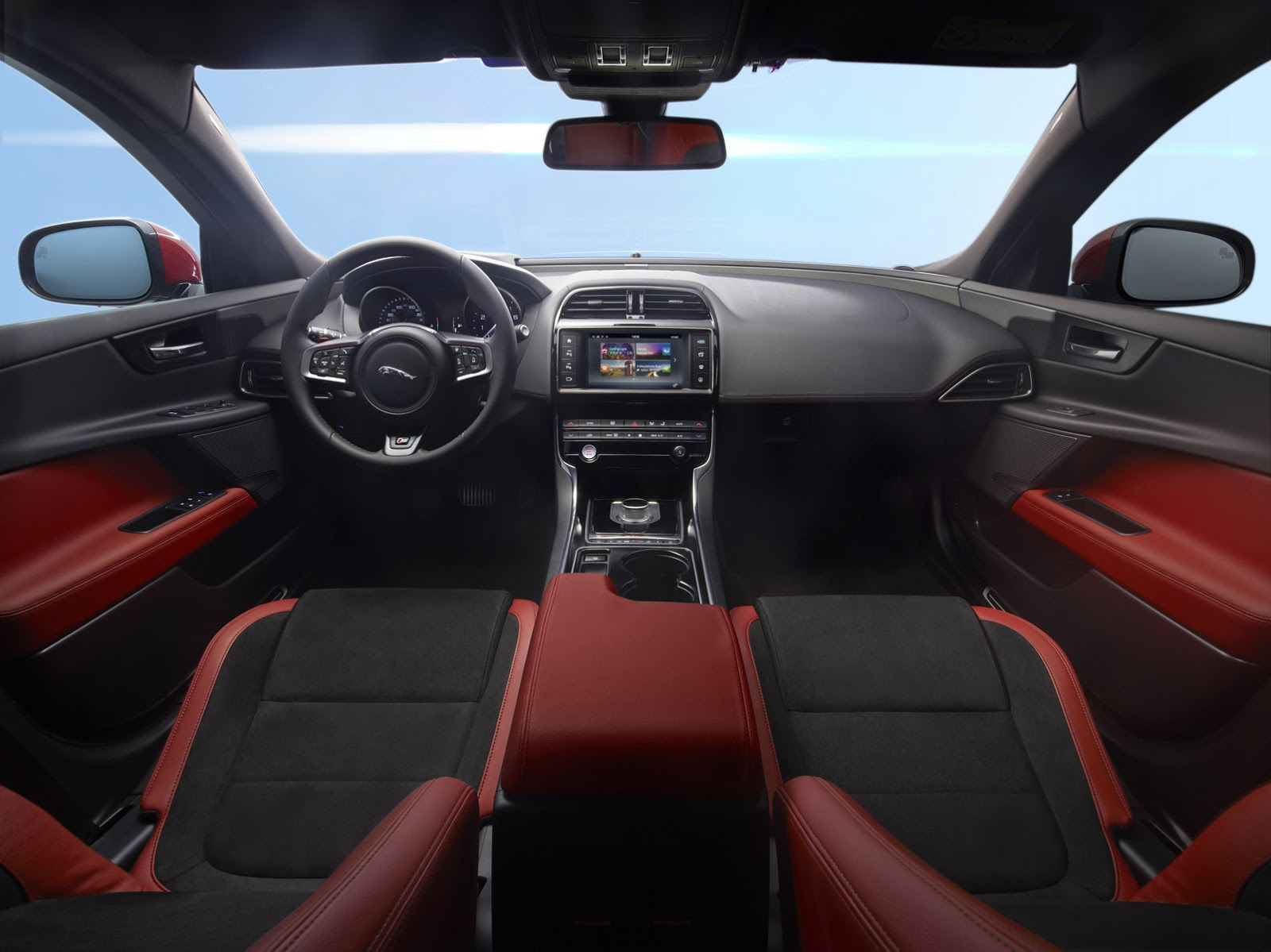 New-2016-Jaguar-XE-officially-revealed-Images-and-details-21