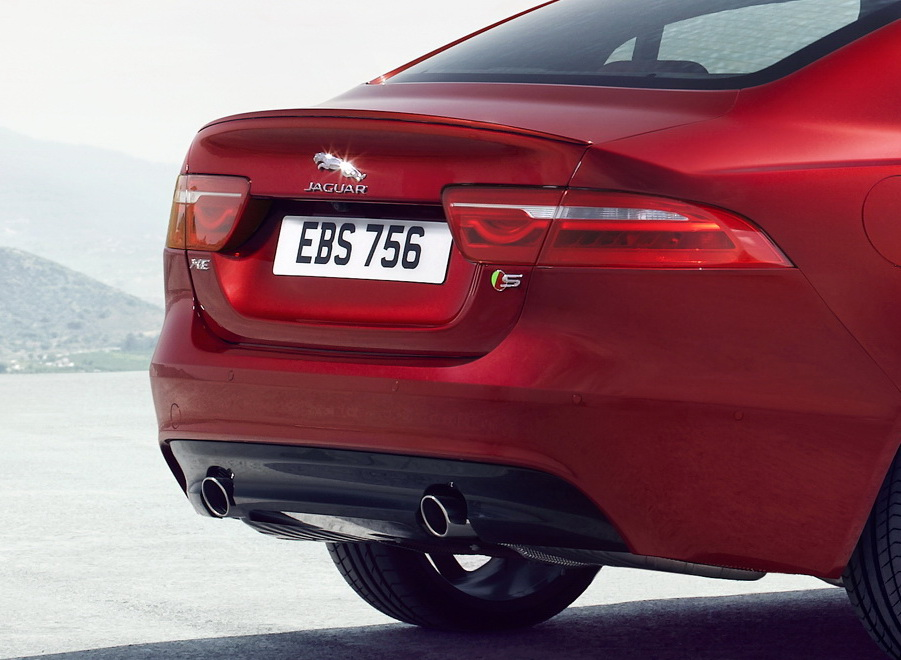 New-2016-Jaguar-XE-officially-revealed-Images-and-details-46