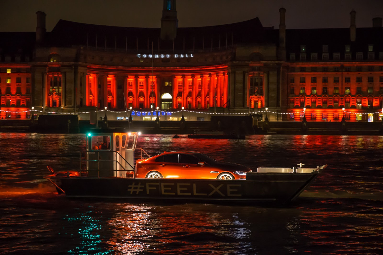 New-2016-Jaguar-XE-officially-revealed-Images-and-details-5.jpg.pagespeed.ce.-ThY0AZGBg