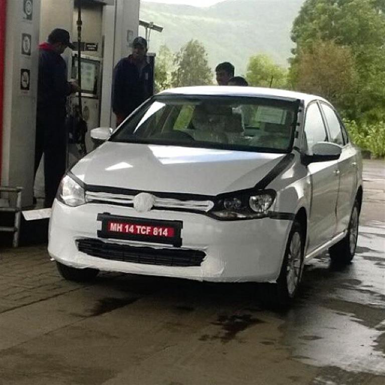 Volkswagen Vento facelift spotted testing