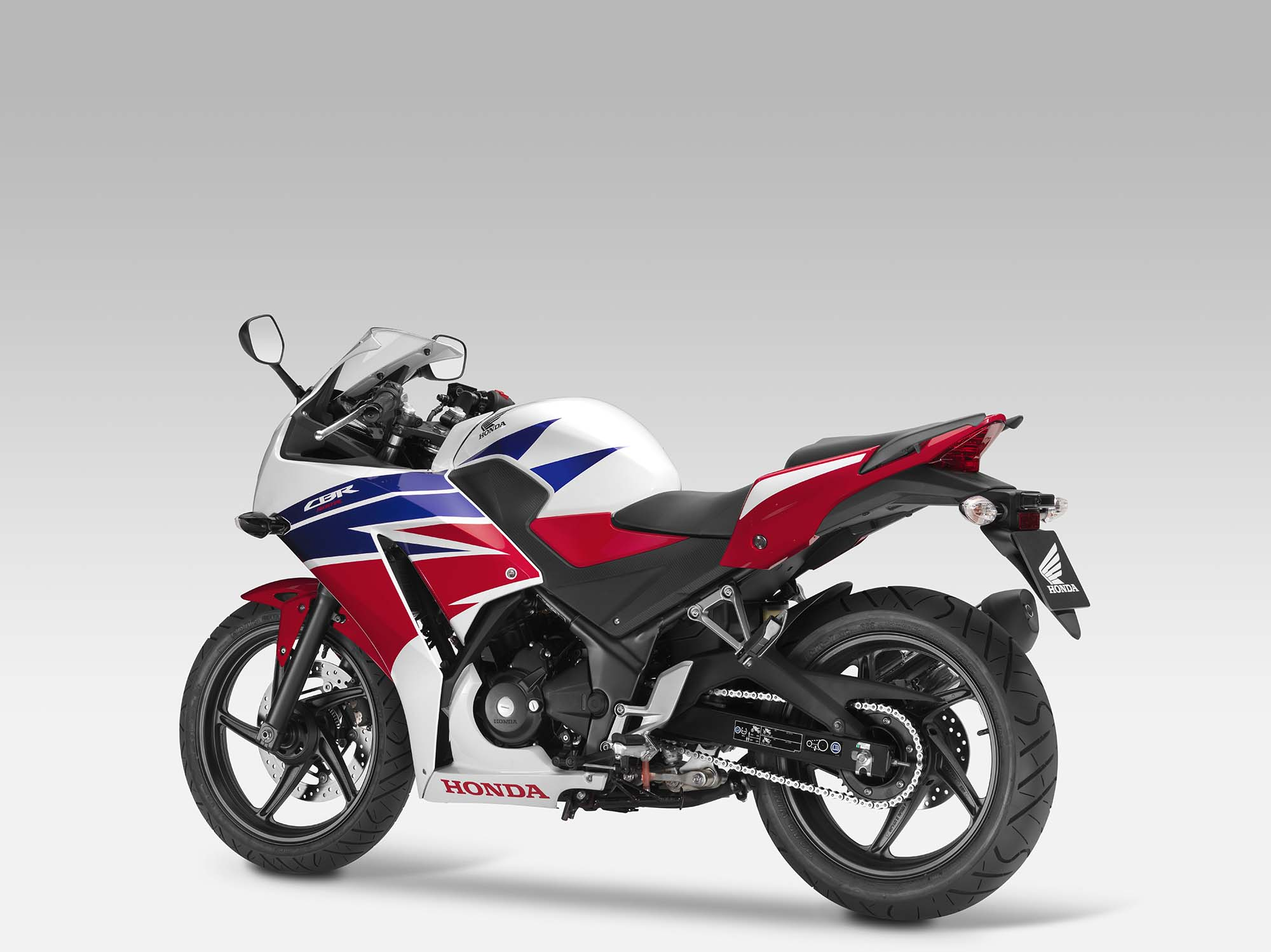 2015 Honda CBR 150R launched in Indonesia
