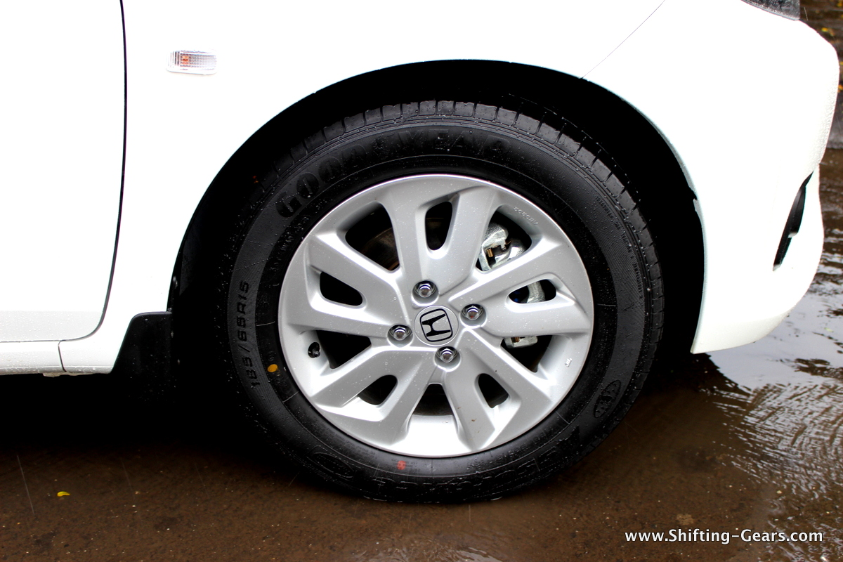 "15"" 5 bi-spoke alloy wheels in silver"