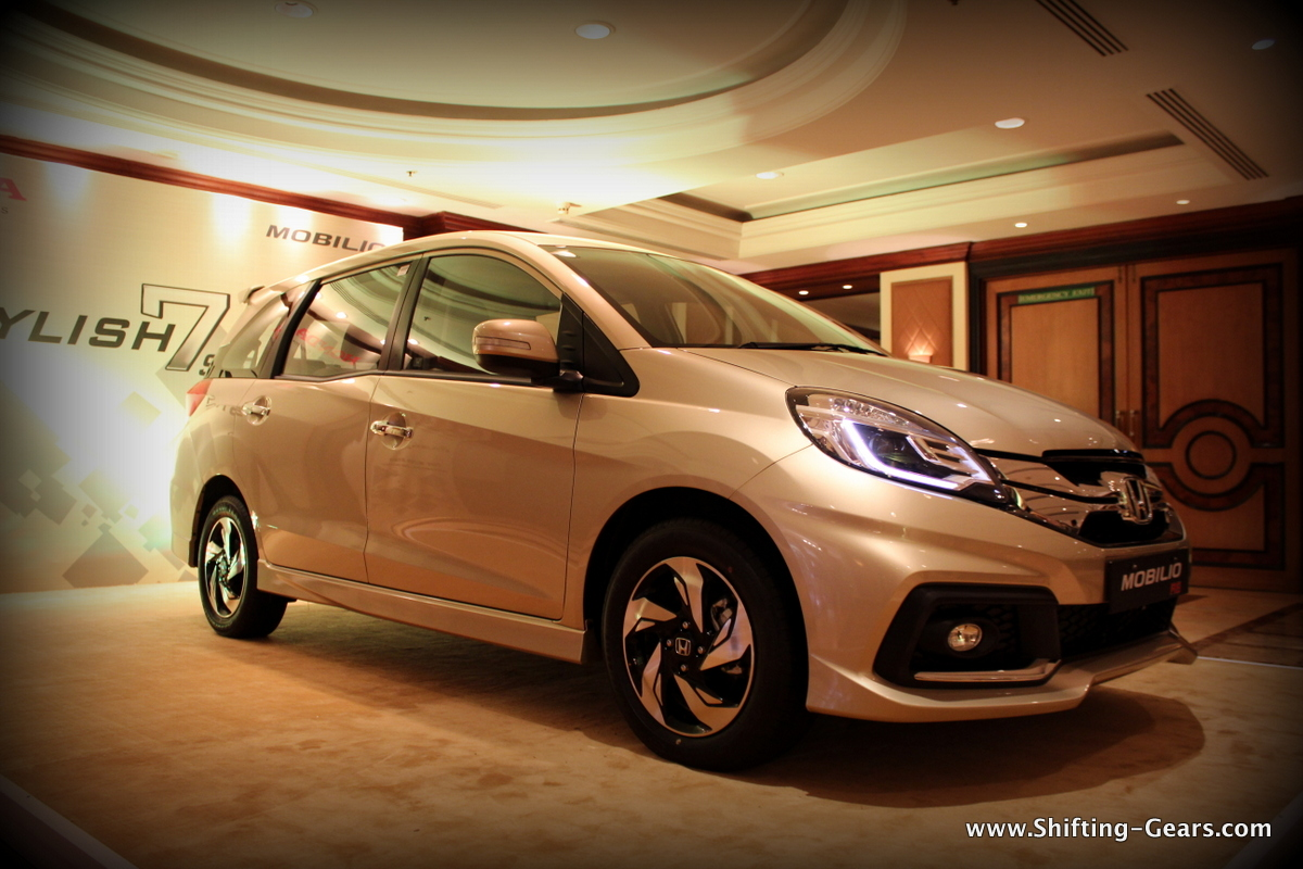 Honda Mobilio photo gallery