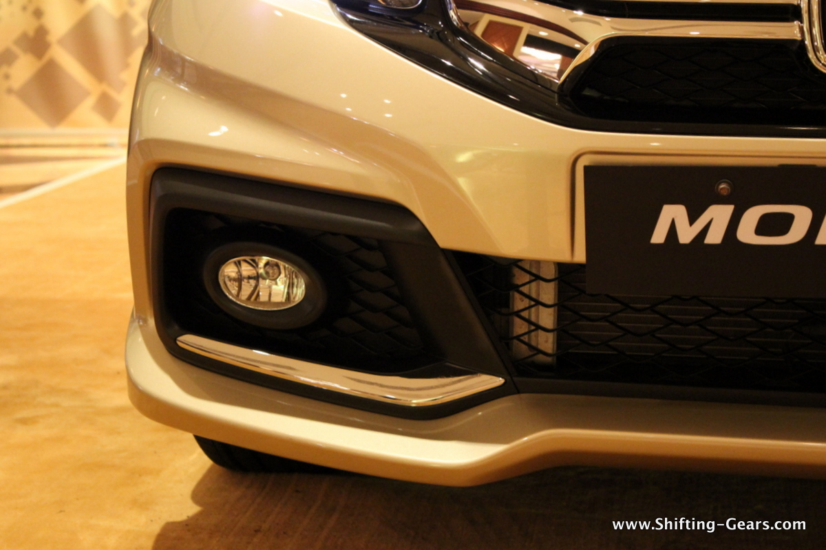 Front bumpers are revised on the Mobilio RS and they get a different fog lamp housing with a chrome underline