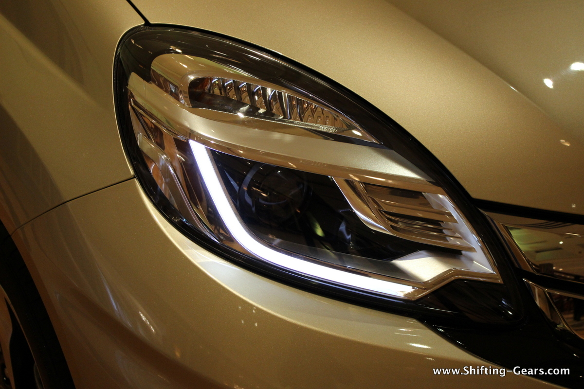 Projector headlamps with LED DRLs