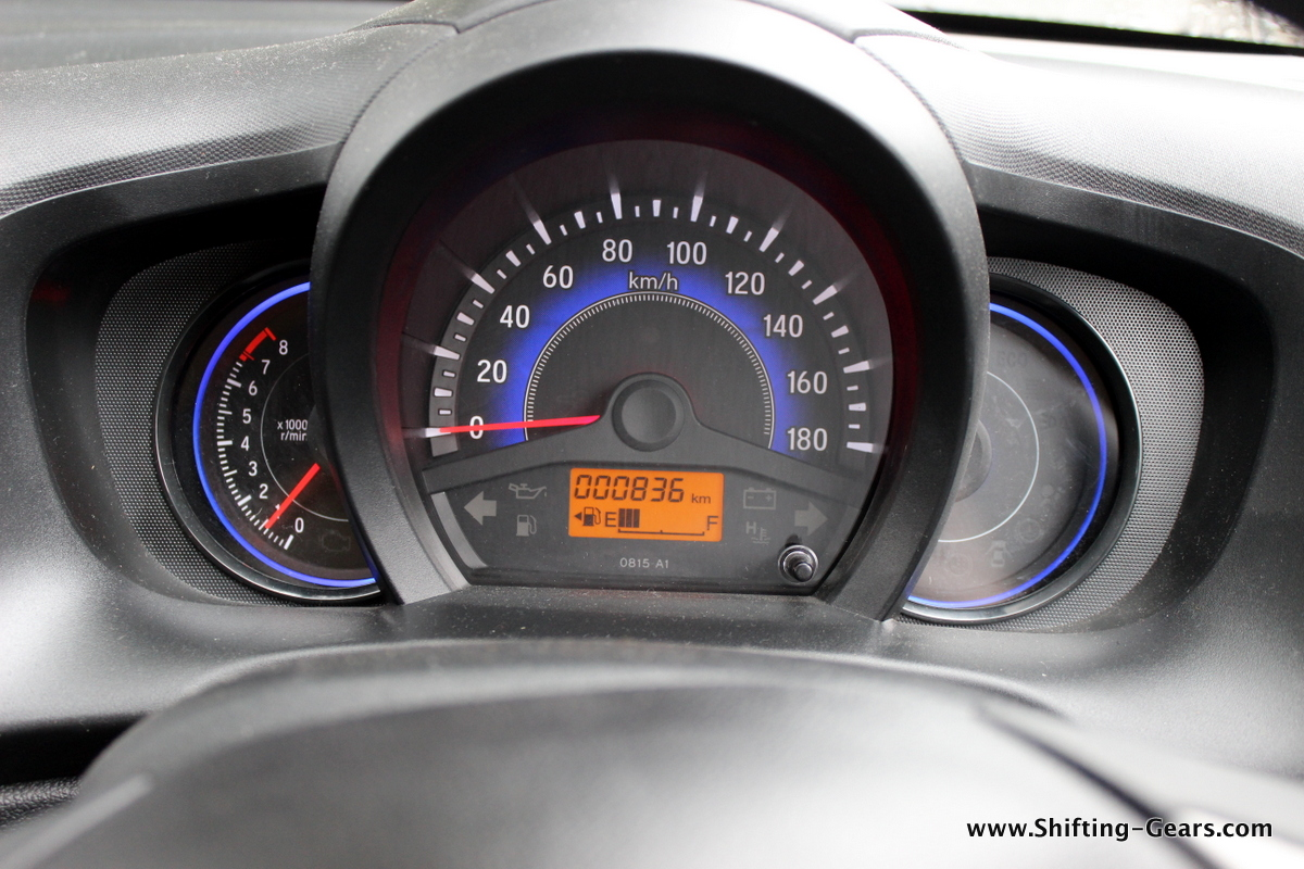 Three pot instrument cluster is easy to read, the blue colour lights up well at night