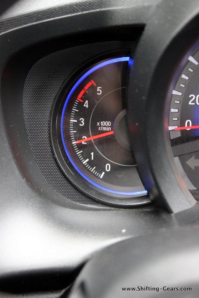 Tachometer readings on the diesel Mobilio