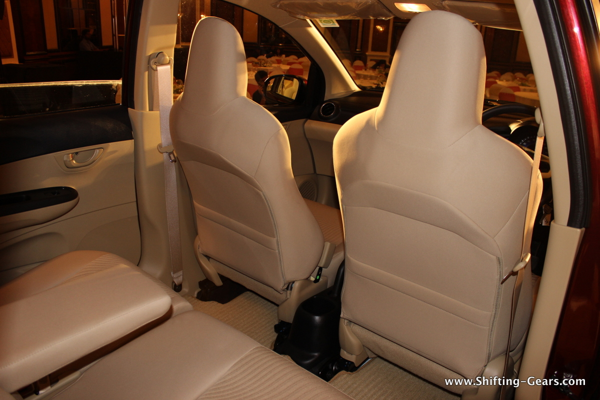 Seat back-pockets behind both the front seats
