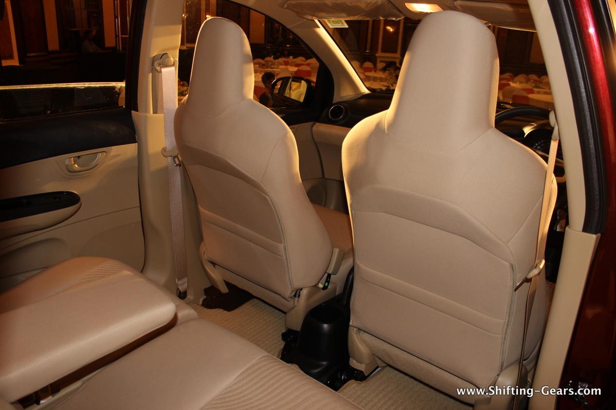 Honda Mobilio 67 Shifting Gears