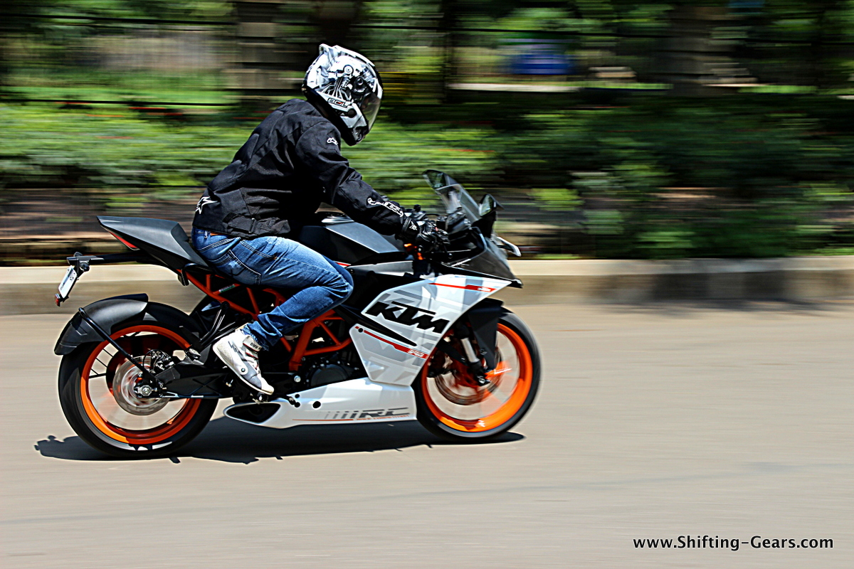 KTM RC390 photo gallery