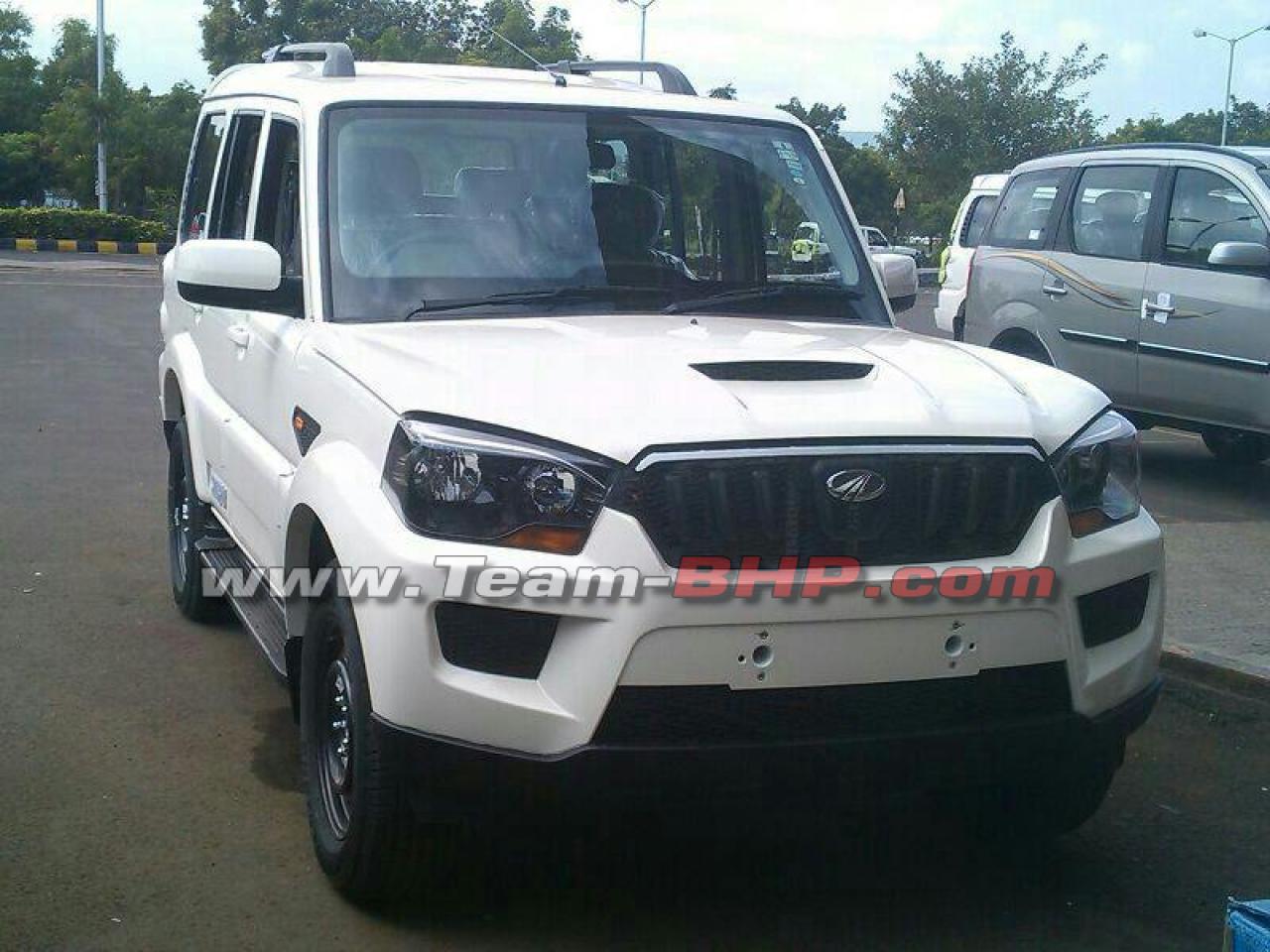Mahindra Scorpio facelift without camouflage