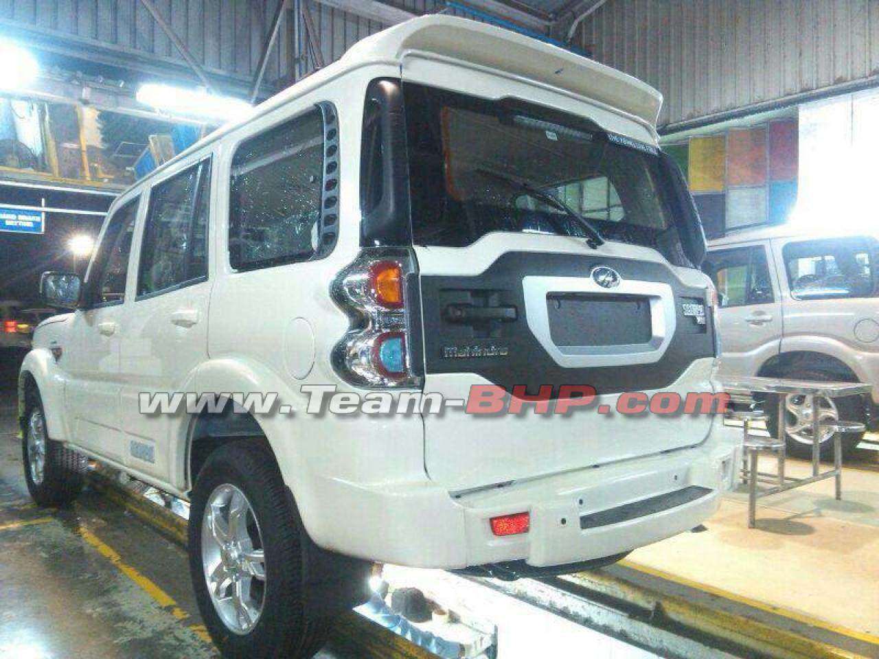 mahindra-scorpio-facelift-rear