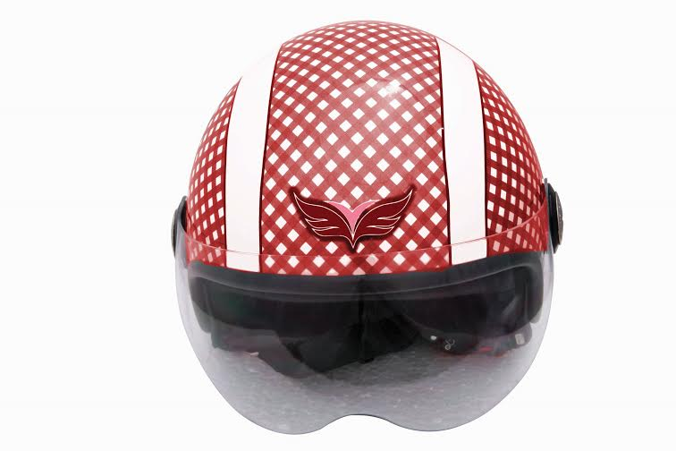 Yamaha launches helmets for women and kids