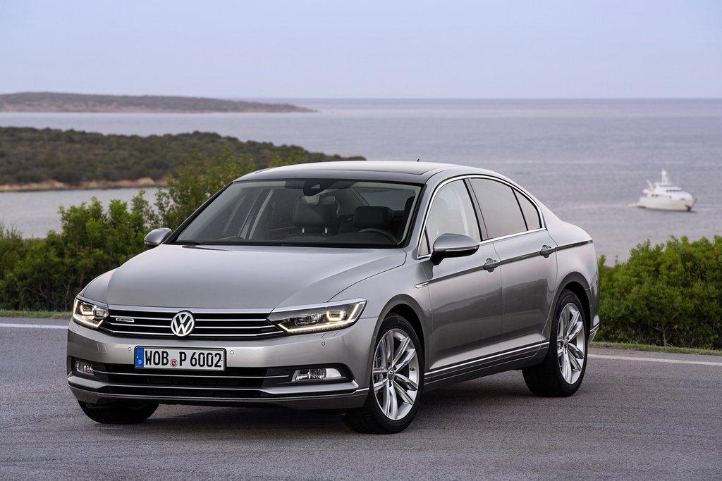 2015-Volkswagen-Passat-3